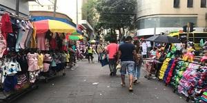 Deber de velar por espacio público no justifica afectar derechos de vendedores informales